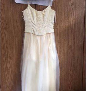 Beautiful light yellow princess prom dress